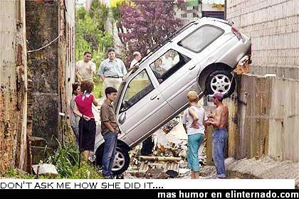 coche-raro-aparcar-en-cualquier-sitio.JPG